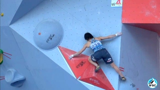 Momoka Oda during the Chongqing Bouldering World Cup
